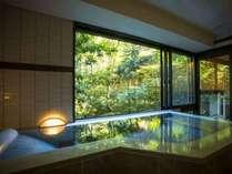 ◆2018年8月リニューアル【677号室・琴葉~ことは】大理石の浴槽。露天風呂付・和洋デラックスの一例