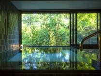 ◆2018年8月リニューアル【679号室・耀々~きら】大理石の浴槽。露天風呂付・和洋デラックスの一例1