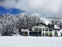 ski in/outスキー場の中に建つ絶好のロケーション