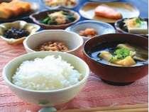 「朝食無料宣言!」モリモリ食べて一日元気満々☆