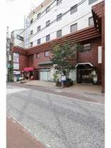ホテル外観★小田原駅から最も近いホテルです。