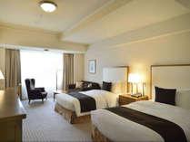 本館7階~12階に位置するデラックスルーム(42平米)皇居側に面したお部屋もございます。,東京都,帝国ホテル 東京