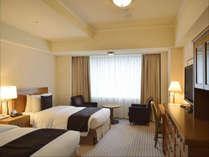 本館 スーペリア ツイン(32平米)東京観光の基点としても帝国ホテルはお勧めです。