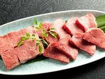 但馬牛の赤身系+霜降り系セット。赤身の味わいと、霜降りの脂の旨味がたまりません!