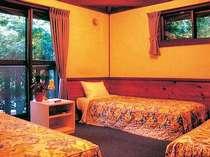トリプルルーム洋室角部屋一例