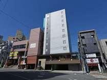*【ホテル全景】東名・新東名高速道、伊豆縦貫道からも近く、お車での移動も大変便利。