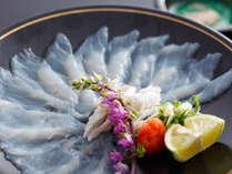 薄くともしっかりとした食感が魅力の淡路島3年とらふぐのてっさ(イメージ)