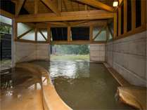 女湯内湯男湯の内湯は造りが反対になります。