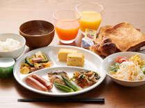 郷土料理を含めた朝食メニューをご用意。