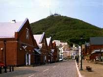 赤レンガのあるベイエリアやハリストス正教会などがある元町へはホテルから徒歩圏内。