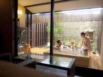 貸切風呂「貫一」は150cmの大きな浴槽と湯上りスペースが贅沢な特別な貸切露天。
