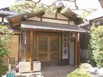 静かな和風旅館です