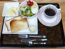 *朝食一例/トースト、ミニサラダ、ゆでたまご、コーヒーor紅茶のモーニングセット
