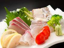 地元近海で取れた新鮮な魚介類を心ゆくまでお楽しみいただけます。