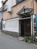 昭和レトロな玄関です
