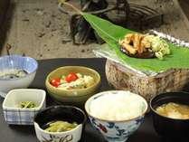【朝食一例】永く地元に続く田舎のおふくろの味でおもてなし。