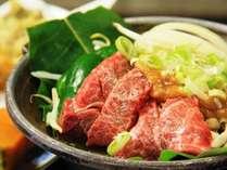 【夕食一例】飛騨牛の陶板焼は味噌で。