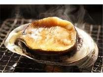 アワビの踊り焼きの料理イメージ。