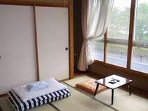 2F和室・諏訪湖側で眺望最高!定員4名・冷暖房・TV・冷蔵庫・WiFi完備