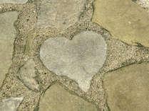 ■ハートの敷石■グラバー園の中にあるハートの敷石♪見つけたら幸せが訪れる!?