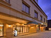 ■外観■新地中華街すぐ!JR長崎駅から車で5分、新地中華街電停から徒歩3分の好立地のホテルです♪