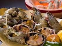 渥美半島は大地と海の恵み溢れる場所。大アサリをはじめ海鮮の他、野菜も焼いてたらふく食べりん♪