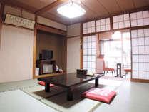 *和室8畳一例/一人旅やビジネス利用からカップル、ファミリー旅行まで、幅広くご利用いただけます。