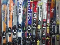 レンタルスキー無料サービス。お子様用も、ボードは大人のみ。レンタルは必ず予約が必要です。