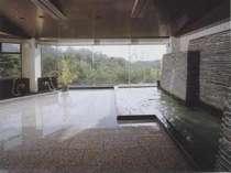 大浴場。南勢桜山温泉の湯で疲労回復