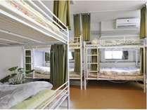 8人部屋2段ベッド