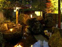 夜の「山の隠れ湯」