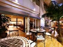 バイキングレストラン「ブラッセリー・プチサンク」では、テラスで開放的な気分も味わえます♪(B2F)