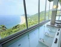寝湯で景色を見ながらウトウト。。。