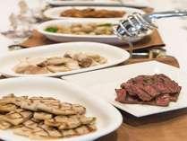 石窯を使用したグリル料理焼きたてのお肉