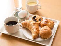 ホテルK&G高岡の焼き立てパン♪無料朝食が人気です。
