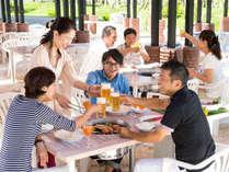 【選べる夕食付き】リゾートBBQなど3会場から選べる夕食付き!リゾートグルメを満喫♪