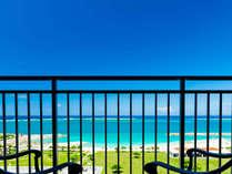東シナ海を望むビーチ側オーシャンビュールーム