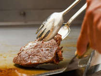 ディナーブッフェ お肉またはお魚をセレクト。シェフが目の前で調理 オーシャンビューレストランレイール