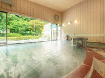 *【大浴場/内湯】中庭を眺めながら湯ったりとお楽しみ下さい
