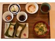 ふっくらあまい魚沼産コシヒカリおにぎりと選べる新潟名品小鉢をぜひ!
