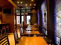朝食バイキングは1階カフェ「Anna Colors COFFE」で