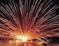 毎年8月11日は三国サンセットビーチで大花火大会開催 えびす亭からもみえますよ