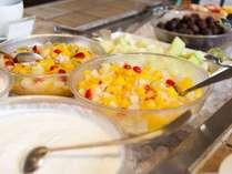 朝食ブッフェのフルーツカクテル&カットフルーツ♪