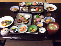 *夕食一例/三陸産の新鮮な魚貝類と、地元の食材中心の和食膳をお召し上がりください♪