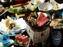 【夕食】春からは、旬の山菜や飛騨牛ローストビーフが並びます。