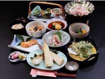 料理は素材を生かした味付け。年間通して多くの食材が目白押しです。