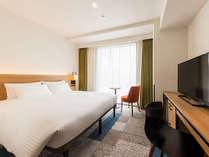 【客室】プレミアムダブル・部屋広さ…20.2㎡・宿泊人数…1~2名・ベッド幅…160cm