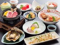 夏会席の例。鮮度満点のお魚でお料理しますので写真と若干内容が異なる場合がございます。