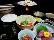 夕食は日替わりの和定食をご用意。写真はとある日の夕食です。