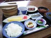 朝食は定番の味をご用意します。無理せず食べられる日本人の大好きな朝ご飯です。